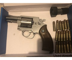 g&g 731 revolver with 18 shells and speed loader