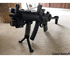 MP5 modified with PEQ box + other gear - Image 2