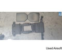 Condor Sentry Lightweight Plate Carrier Black + Replica SAPI Plastic Plates