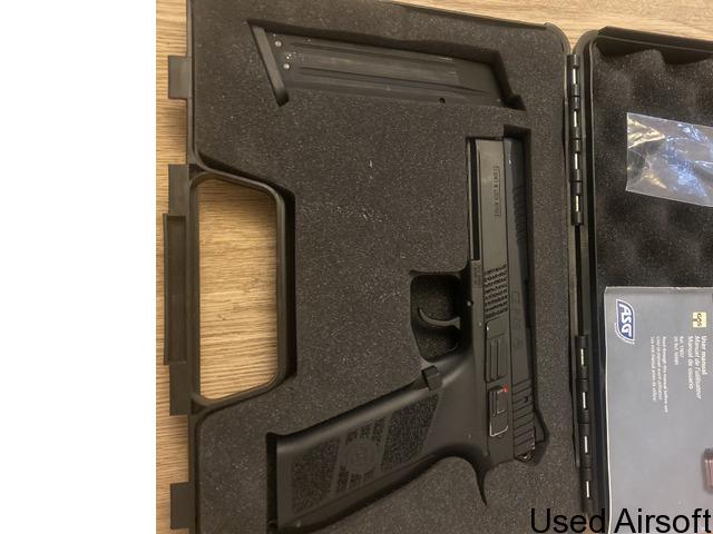 CZ P-09 6mm has blowback airsoft pistol - 1