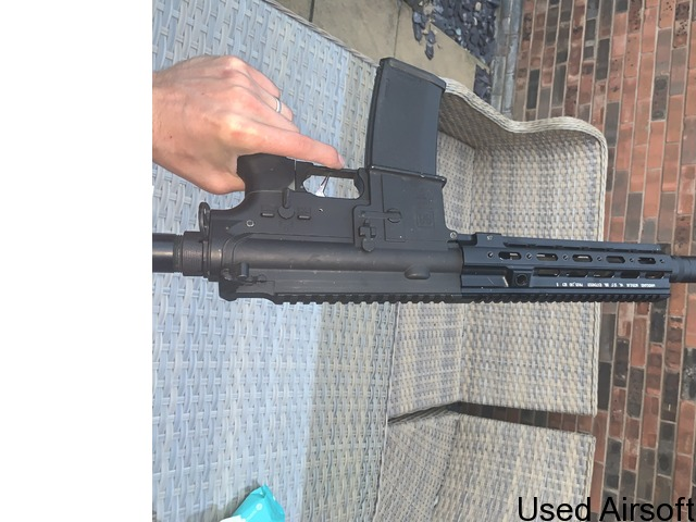 Upgraded Specna arms edge 2.0 (416 variant). 4 mags, batteries -and extras - 1