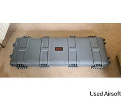 Nuprol Large Wheeled Hard Case Grey