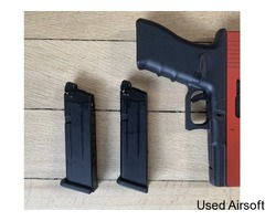 Army Armaments R17 + 2 magazines