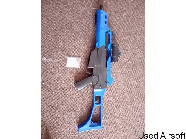 G36C Two Tone Spring powered BB Gun - 2