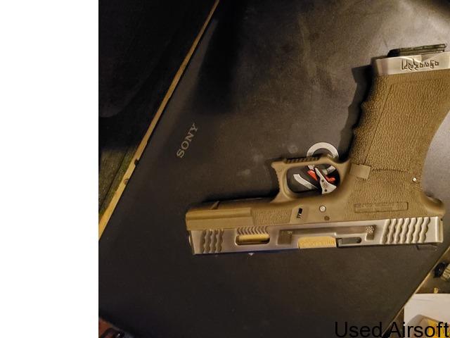 Wet Glock 17 - 4