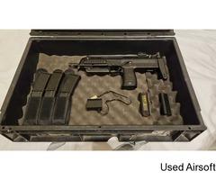 Airsoft MP7 - Image 1