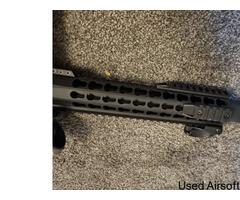 Barely used Saigo defense AEG W/ bag, mag and new acog sight - Image 2