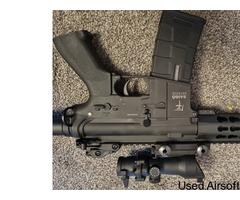 Barely used Saigo defense AEG W/ bag, mag and new acog sight - Image 3