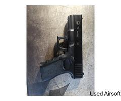 KWA Glock 19 + 4 mags
