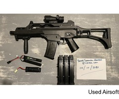 Saigo Defence G36 with attachments, extra mags and replacement battery